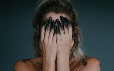 Pervers narcissique ou violent : il m'empêche de travailler pendant le confinement : 2 réactions à avoir